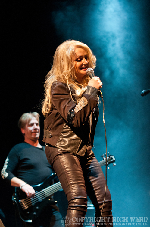 Bonnie Tyler - Birmingham LG Arena, 17th December 2012;