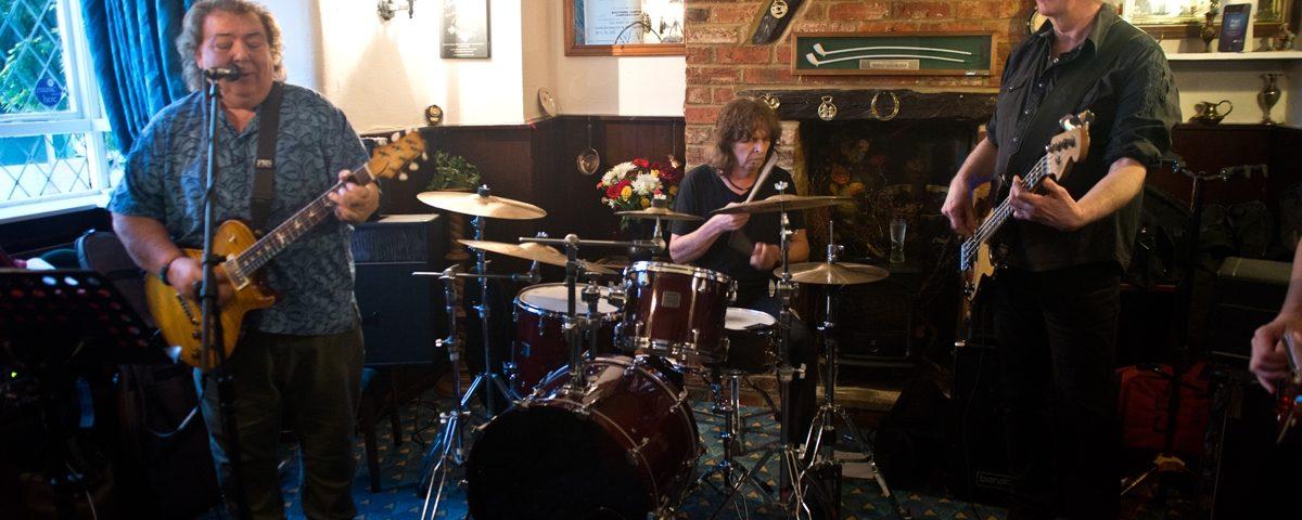 Bernie Marsden - Royal Oak, Tingewick - Wednesday 27th May 2015